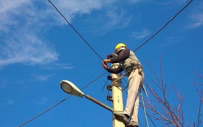 اتمام تعویض کابلهای برق شیراز تا پایان سال
