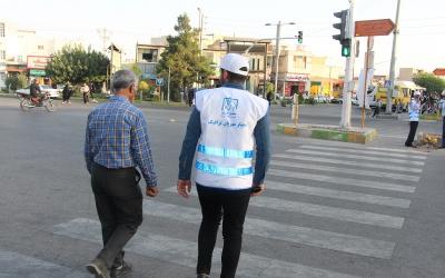 """حضور مؤثر و موفق """"همیاران مهربان ترافیک"""" در خیابانهای شیراز"""
